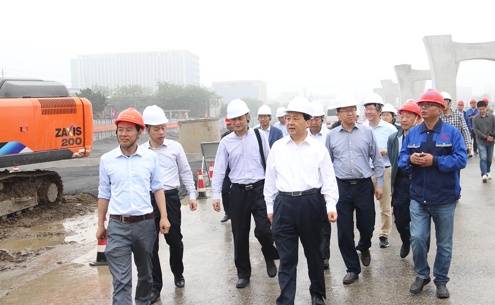 市委书记谢正义带队视察公司运河南北路快速化改造工程